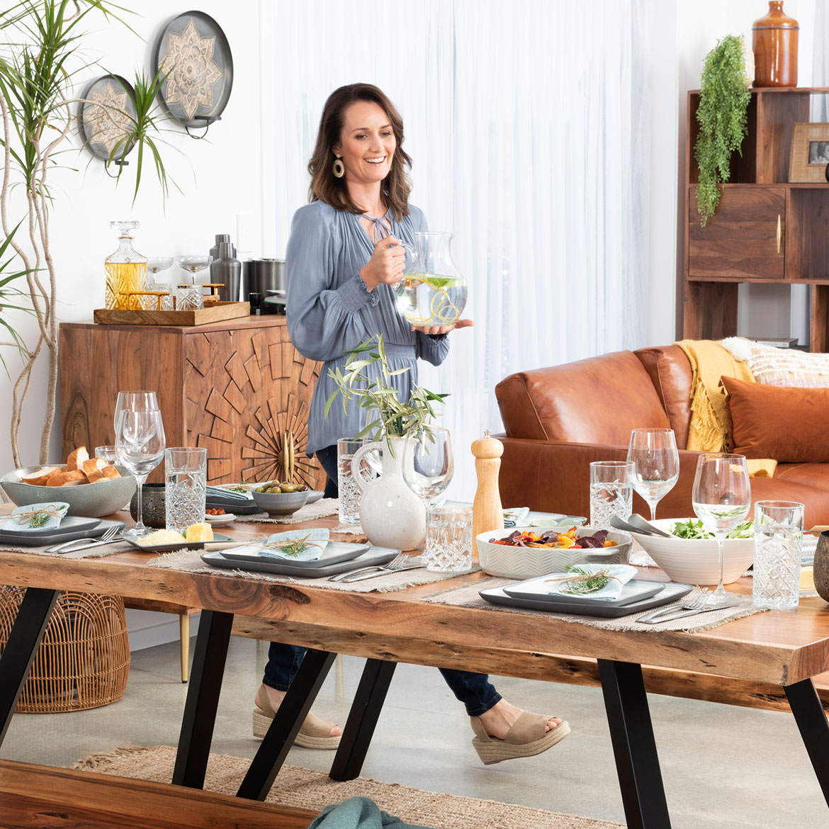 How to Style an Autumn Table Top