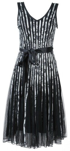 Farmers-Shop:/Fashion feature images/2013-11-20_BlackWhite_Chase7PartyDress_251x500.jpg