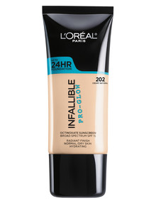 L'Oreal Paris Infallible Pro Glow Foundation product photo