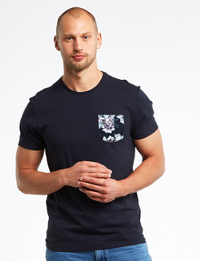 Connor Ellis Floral-Print Pocket Tee, Navy product photo