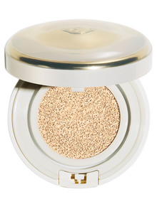 Shiseido Future Solution LX Total Radiance Regenerating Cushion Foundation product photo