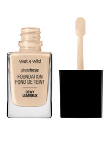 wet n wild Photo Focus Dewy Foundation product photo