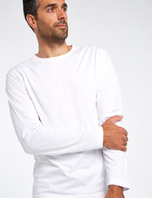 Chisel Long-Sleeve Crew-Neck Tee, White product photo