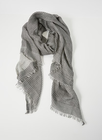 Whistle Mini Check Loose Weave Scarf, Black & White product photo