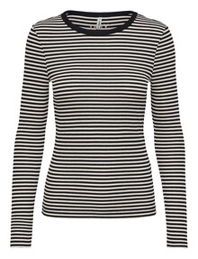 ONLY Josse Long-Sleeve O-Neck Top, Black product photo